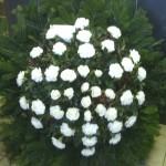 Fehér szegfű temetési csokor